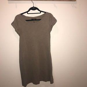 Banana Republic : Cute T-shirt dress!